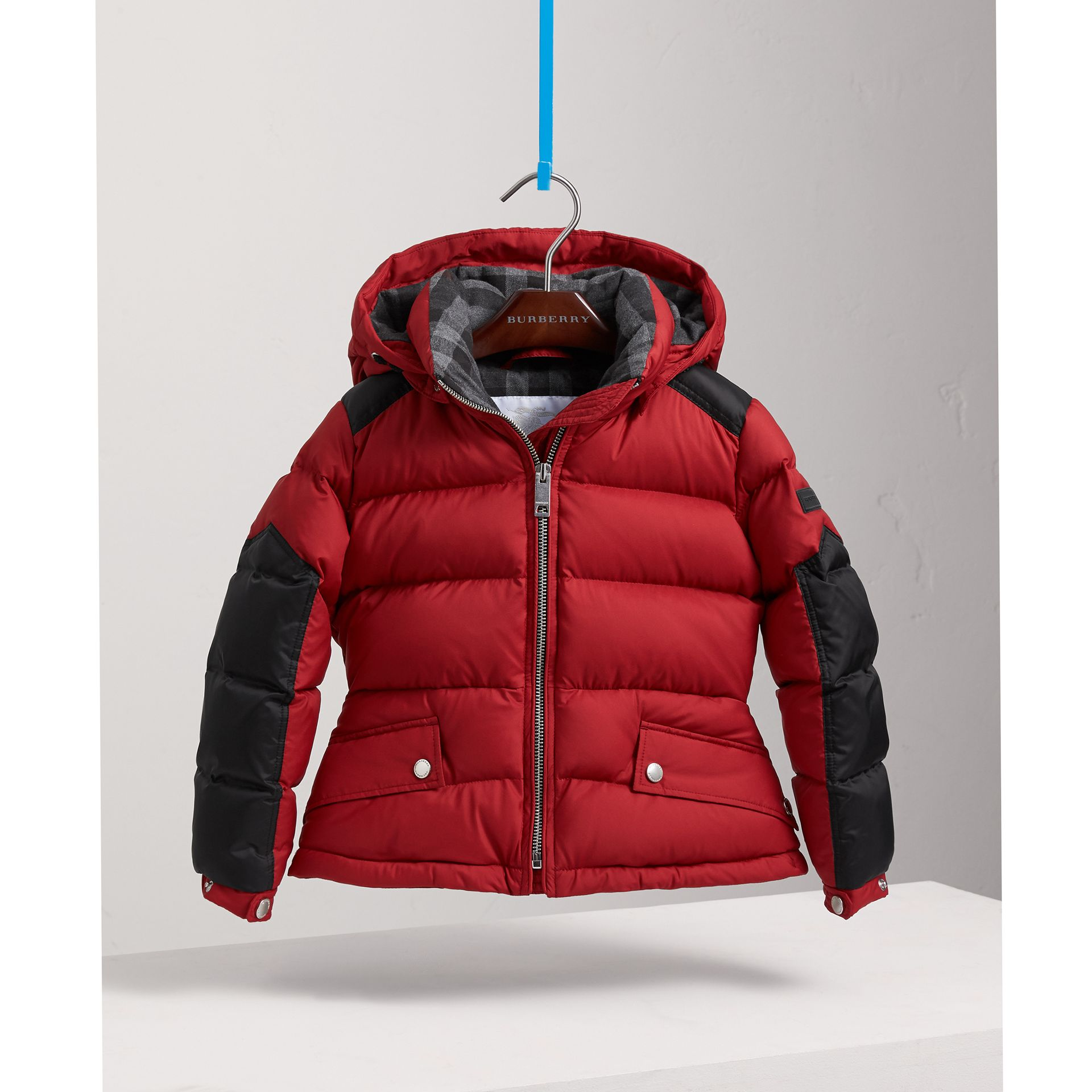 Detachable Hood Two-tone Puffer Coat in Parade Red - Girl | Burberry - gallery image 2