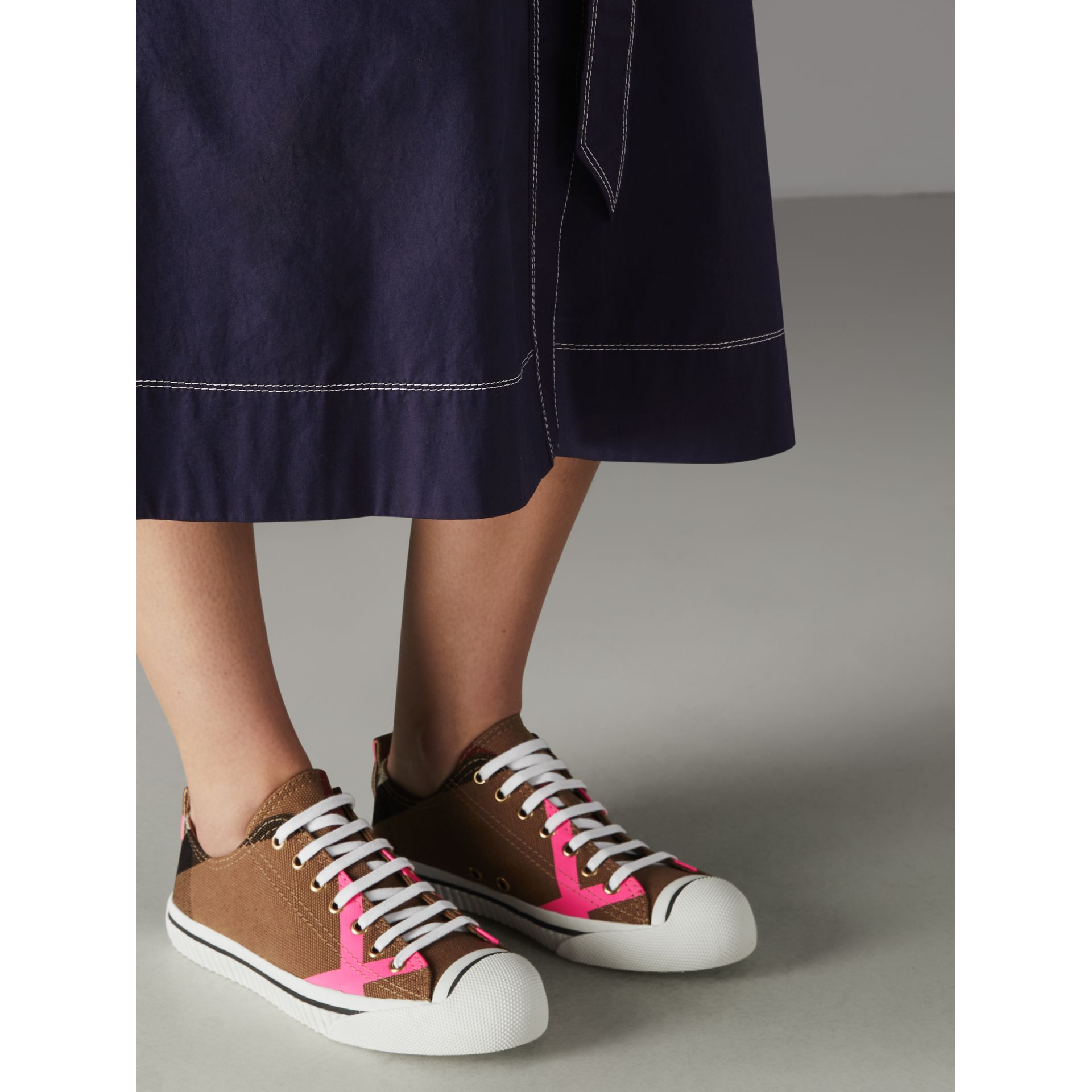 Canvas Check and Leather Sneakers in Classic/neon Pink - Women | Burberry Singapore - gallery image 2