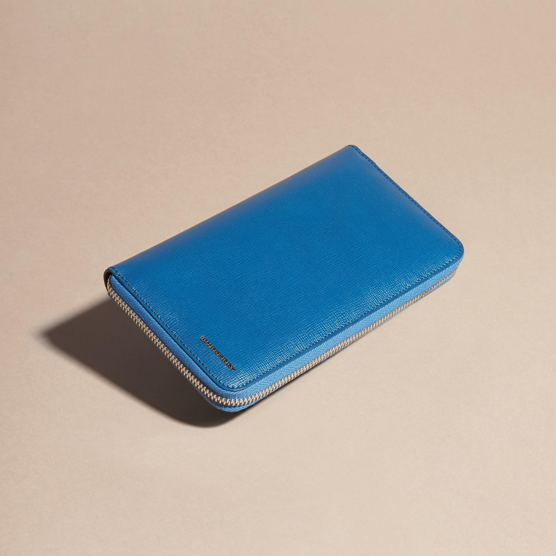 Bleu minéral Portefeuille zippé en cuir London - photo de la galerie 4