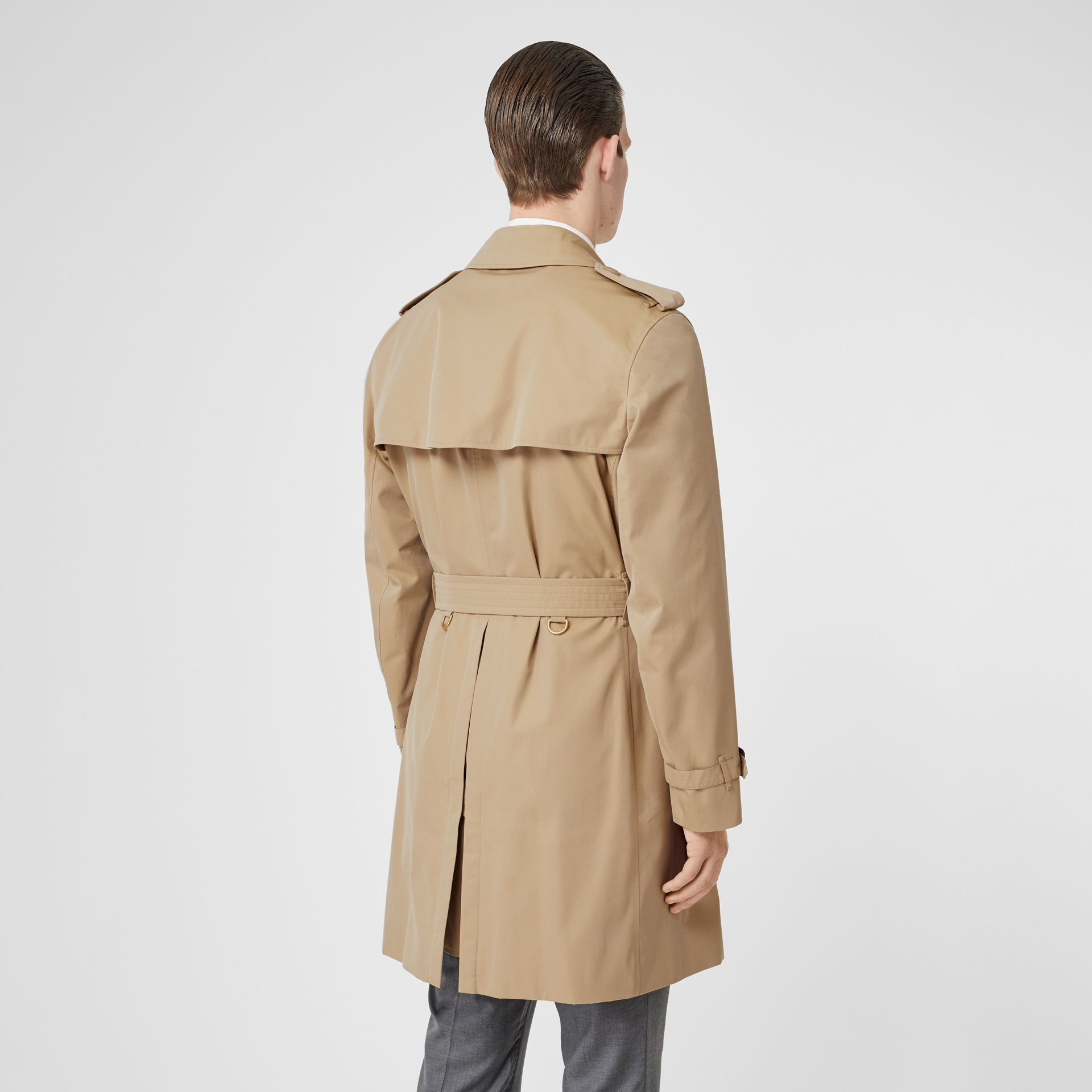 The Kensington Heritage Trench Coat in Honey - Men | Burberry Canada - gallery image 2
