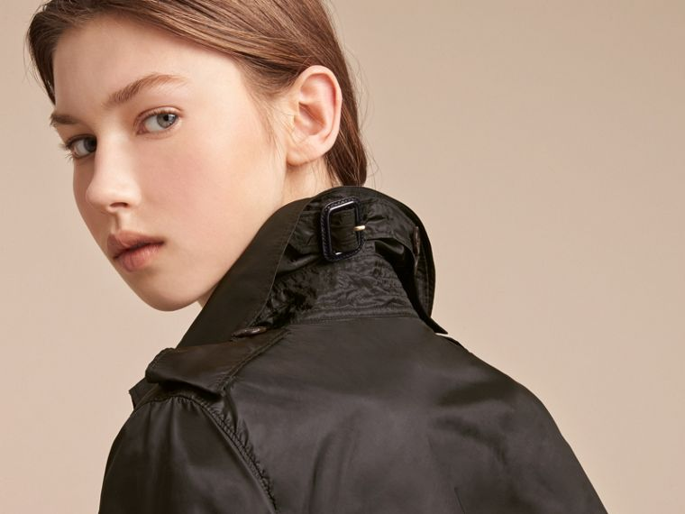 Super-lightweight Trench Coat in Black - Women | Burberry - cell image 4