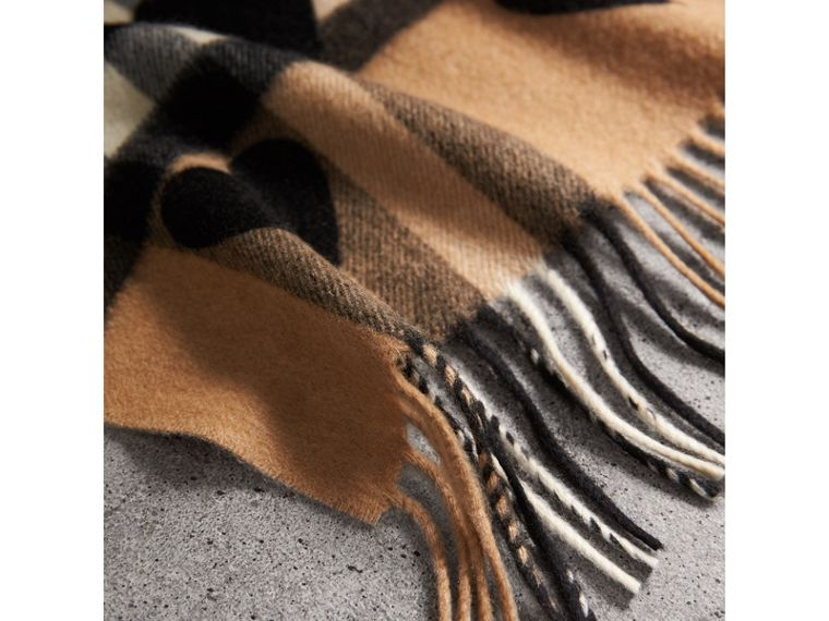The Classic Cashmere Scarf in Check and Hearts in Black | Burberry Australia - cell image 4