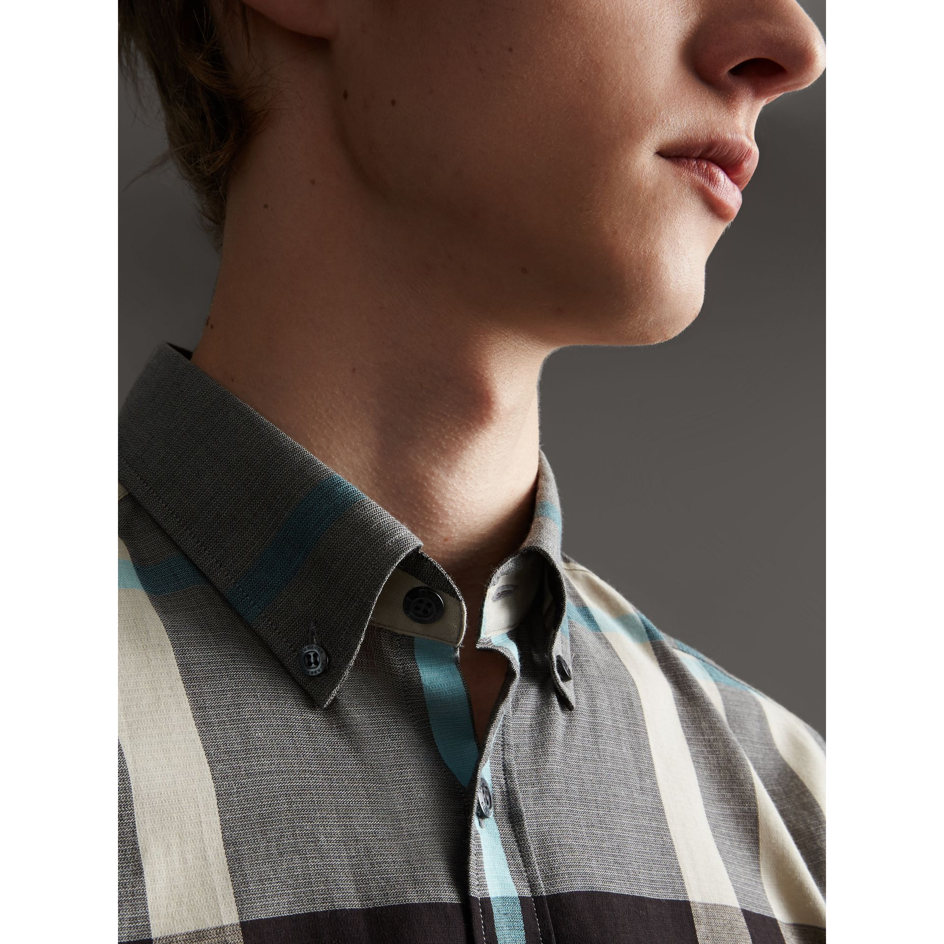 Button-down Collar Short-sleeve Check Cotton Shirt in Mist Grey - Men | Burberry - gallery image 4