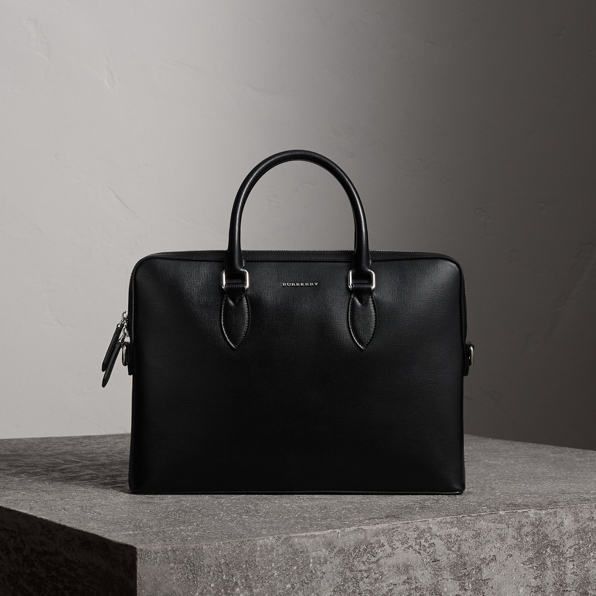 The Slim Barrow in London Leather in Black - Men | Burberry - gallery image 0