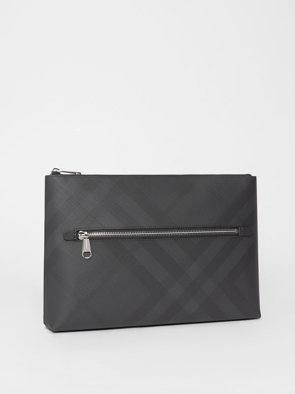 Pochette zippée London check (Anthracite Sombre) - Homme | Burberry Canada - cell image 3