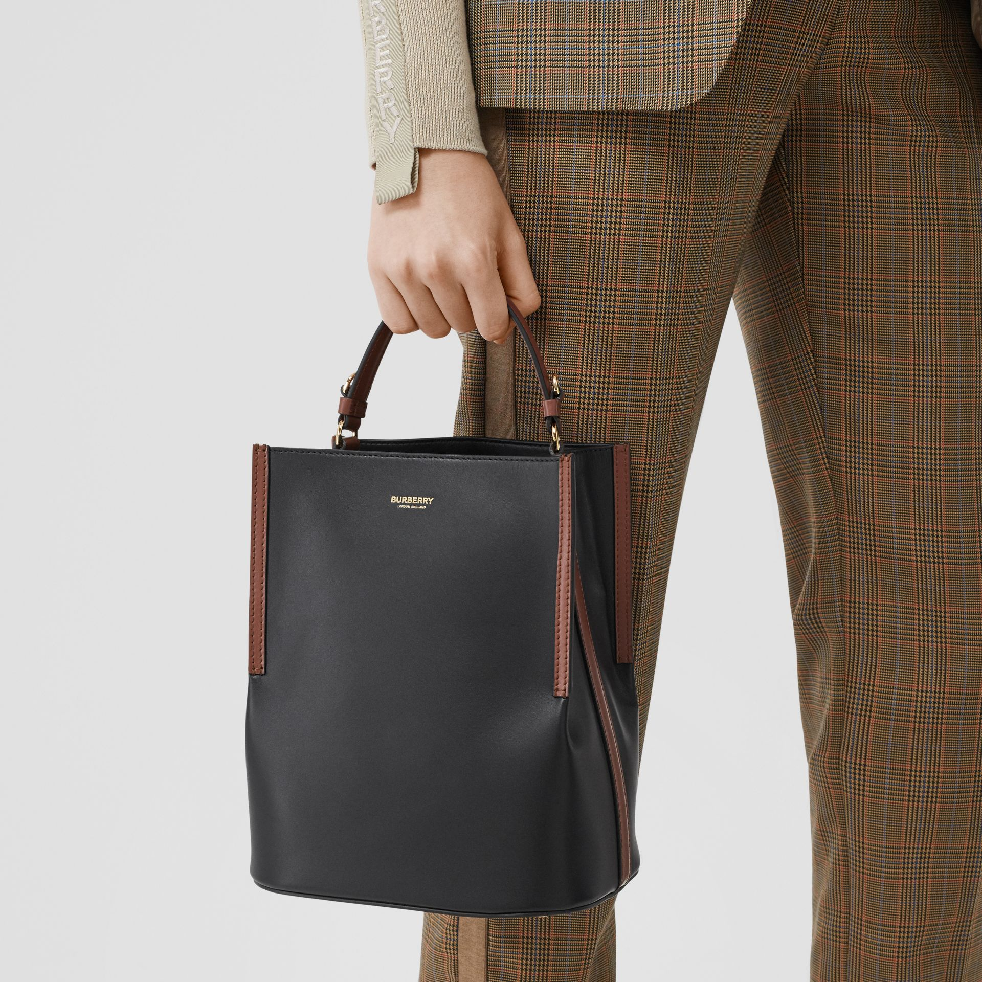 Small Two-tone Leather Peggy Bucket Bag in Black - Women | Burberry - gallery image 2