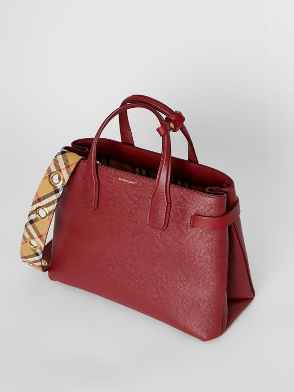 The Medium Banner in Leather with Grommeted Strap in Crimson - Women | Burberry Australia - cell image 3