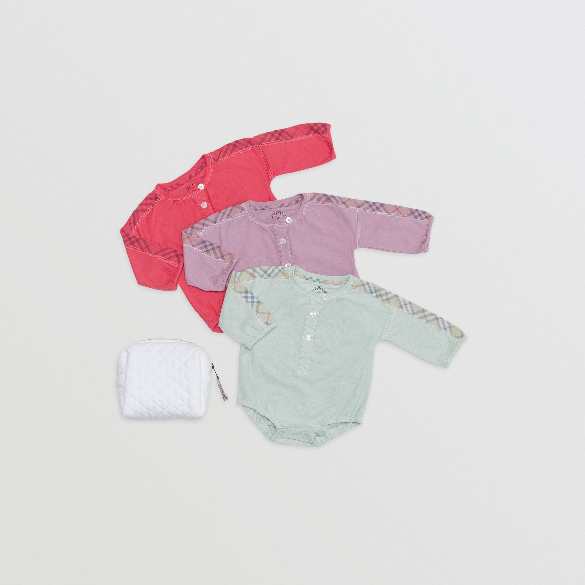 Check Cotton Three-piece Baby Gift Set in Multicolour - Children | Burberry United Kingdom - gallery image 0
