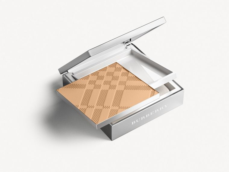 Bright Glow Compact SPF 25 PA +++ – Light Honey No.10 - Women | Burberry Singapore - cell image 2