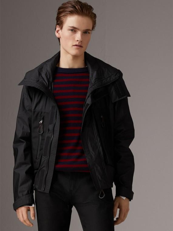 Куртка с воротником-трубой и складным капюшоном (Черный)