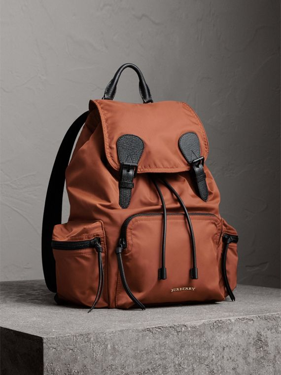 Zaino The Rucksack grande in nylon tecnico e pelle (Sequoia)
