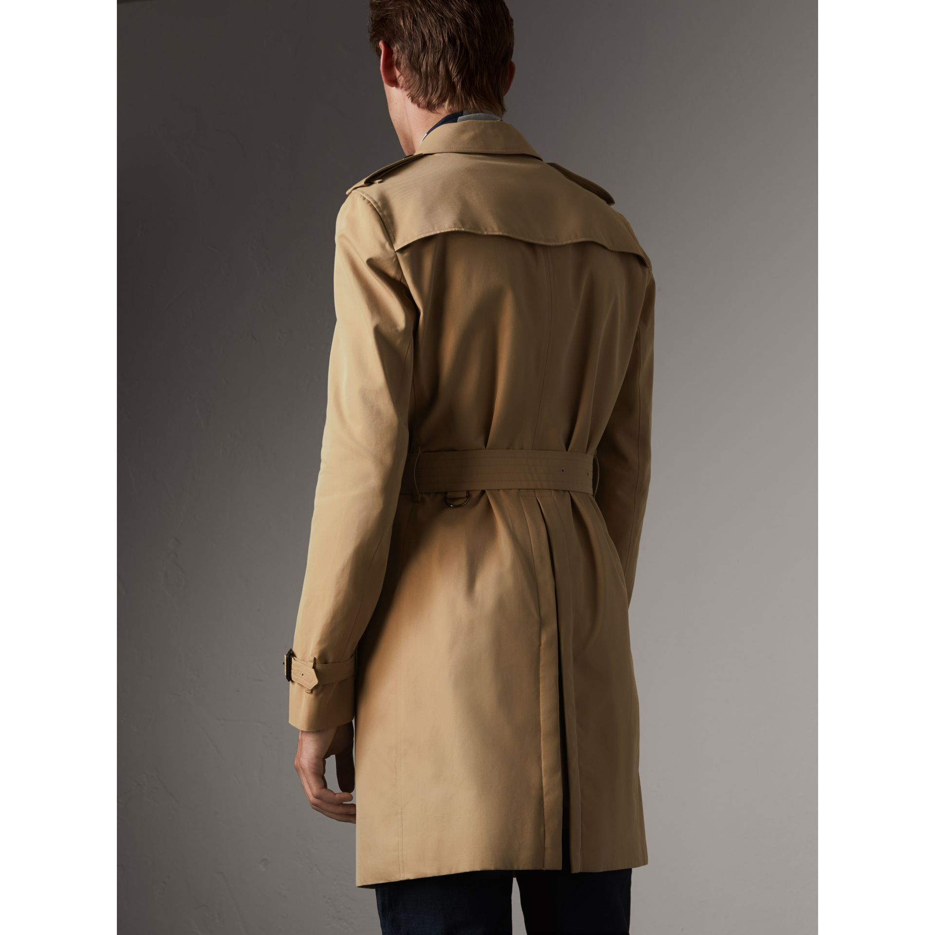 The Chelsea – Long Trench Coat in Honey - Men | Burberry - gallery image 3
