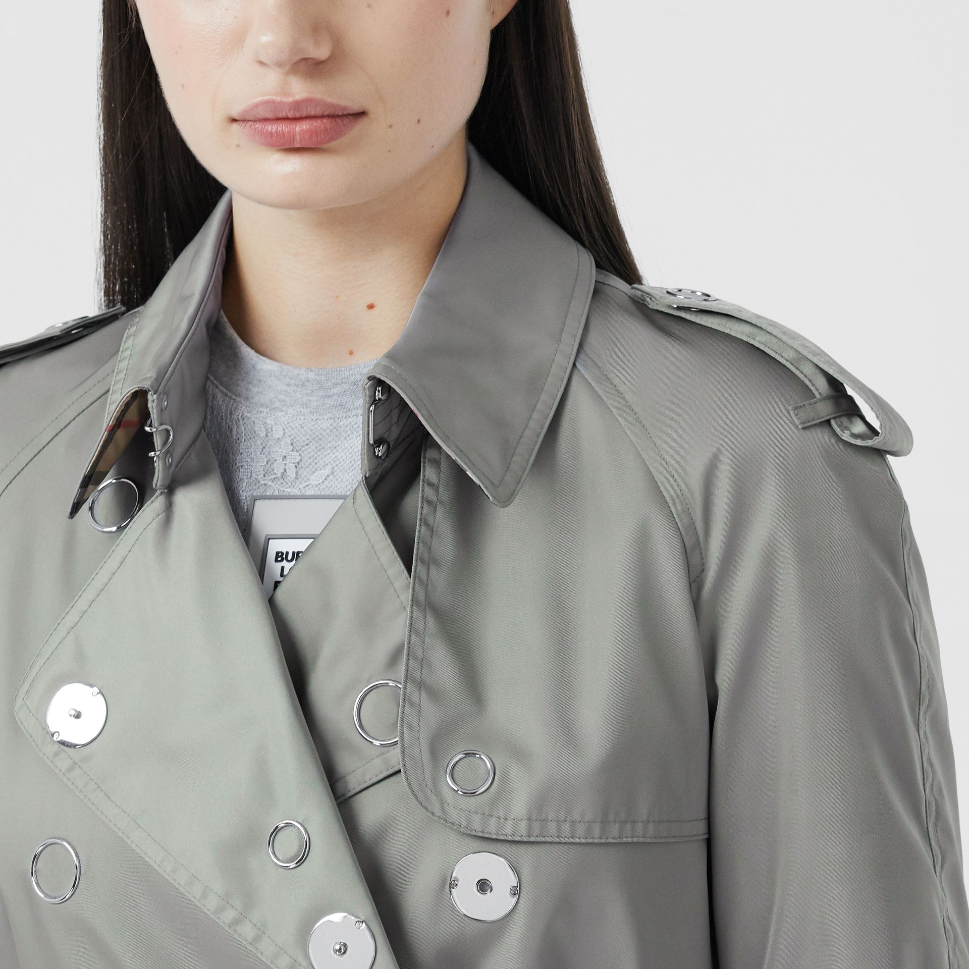 Press-stud Detail ECONYL® Trench Coat in Cloud Grey - Women | Burberry - gallery image 5