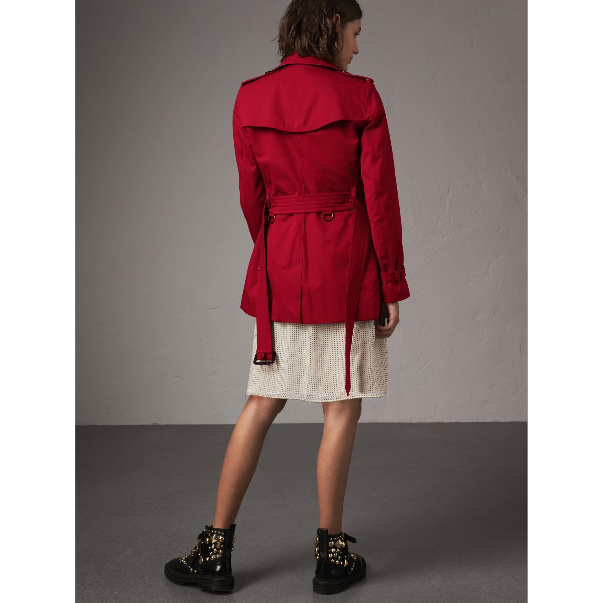 The Kensington – Short Trench Coat in Parade Red - Women | Burberry - gallery image 3