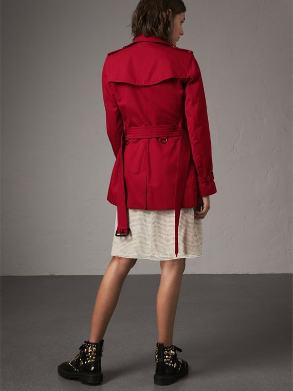 The Kensington – Short Trench Coat in Parade Red - Women | Burberry - cell image 2