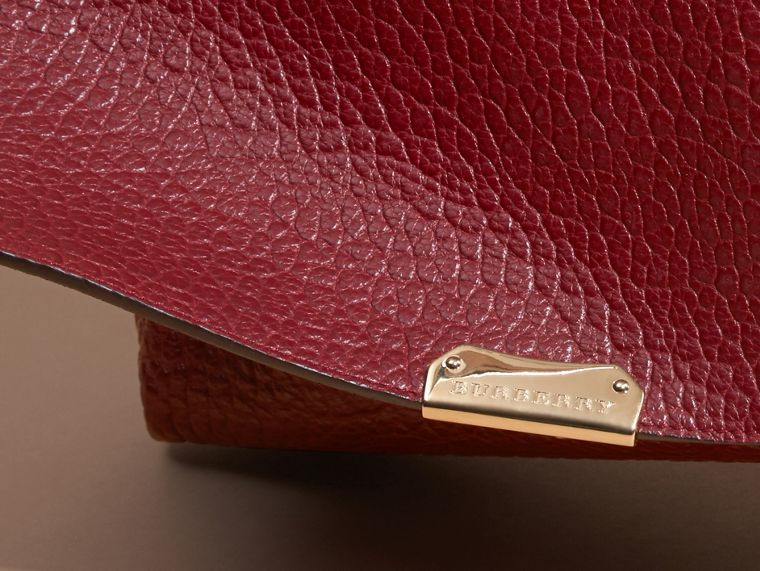 Deep red Medium Signature Grain Leather Clutch Bag Deep Red - cell image 1