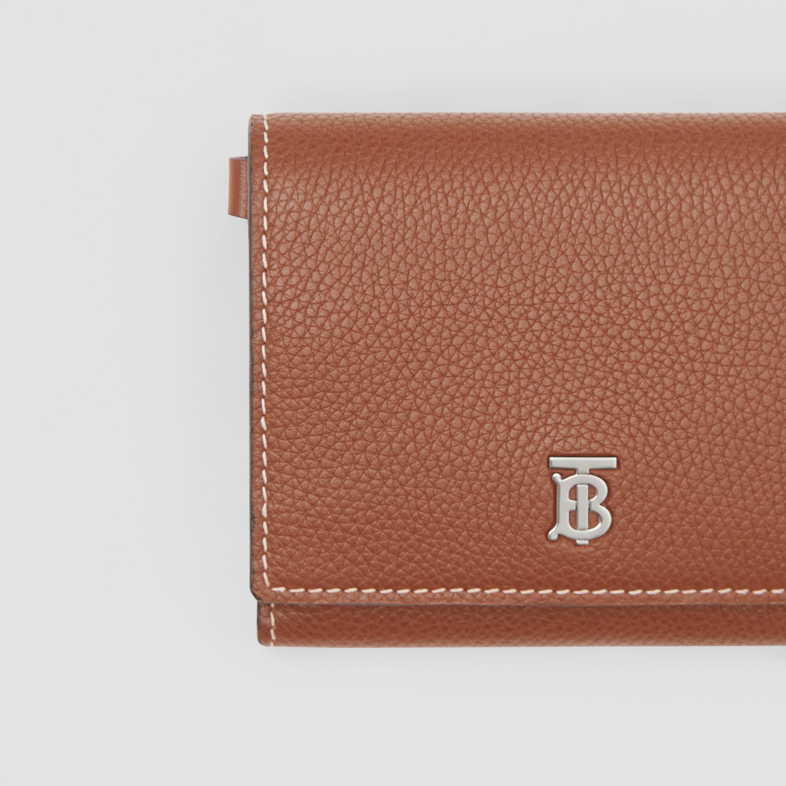 Small Grainy Leather Wallet with Detachable Strap in Tan | Burberry - 2