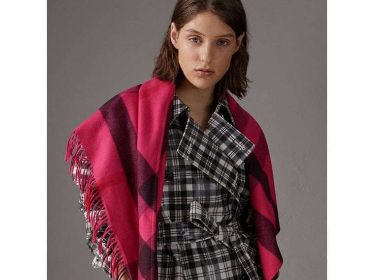The Burberry Bandana in Check Cashmere in Bright Rose Pink | Burberry - cell image 4