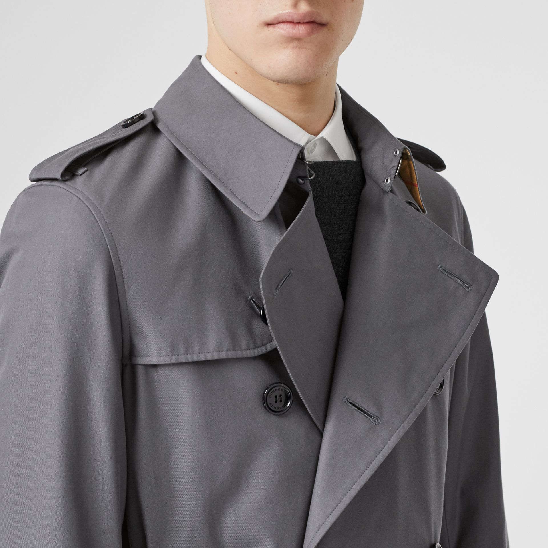 Trench Heritage The Chelsea (Gris Moyen) - Homme | Burberry Canada - photo de la galerie 5