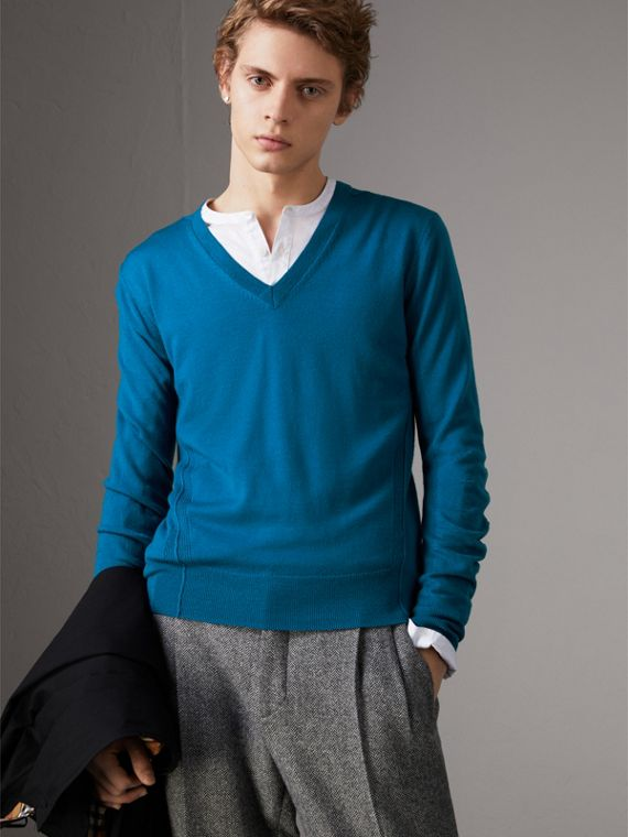 Check Detail Merino Wool V-neck Sweater in Mineral Blue