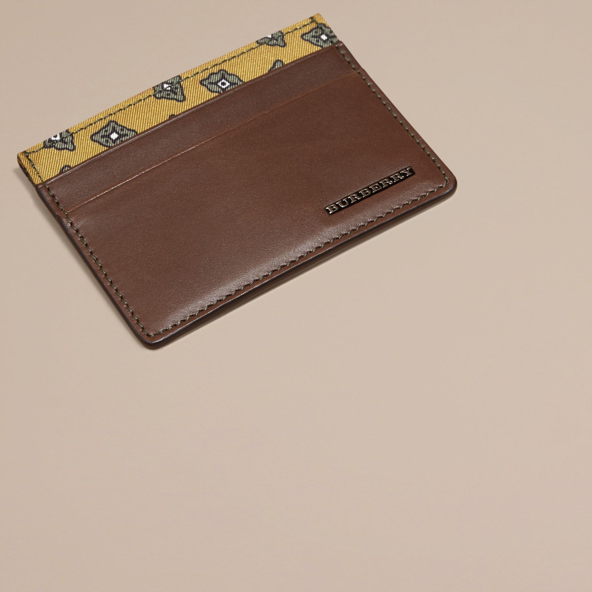 Marrone seppia Porta carte di credito in pelle con stampa geometrica a riquadri Marrone Seppia - immagine della galleria 3