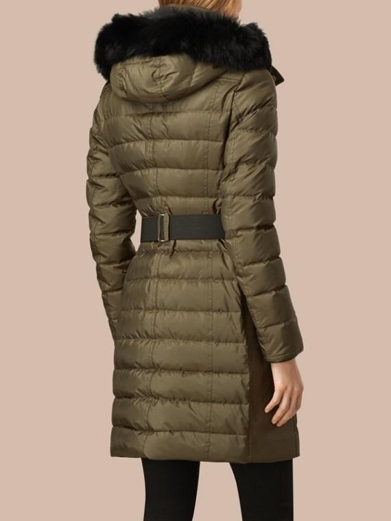 Темно-оливковый Пуховое пальто с меховой опушкой Темно-оливковый - cell image 2
