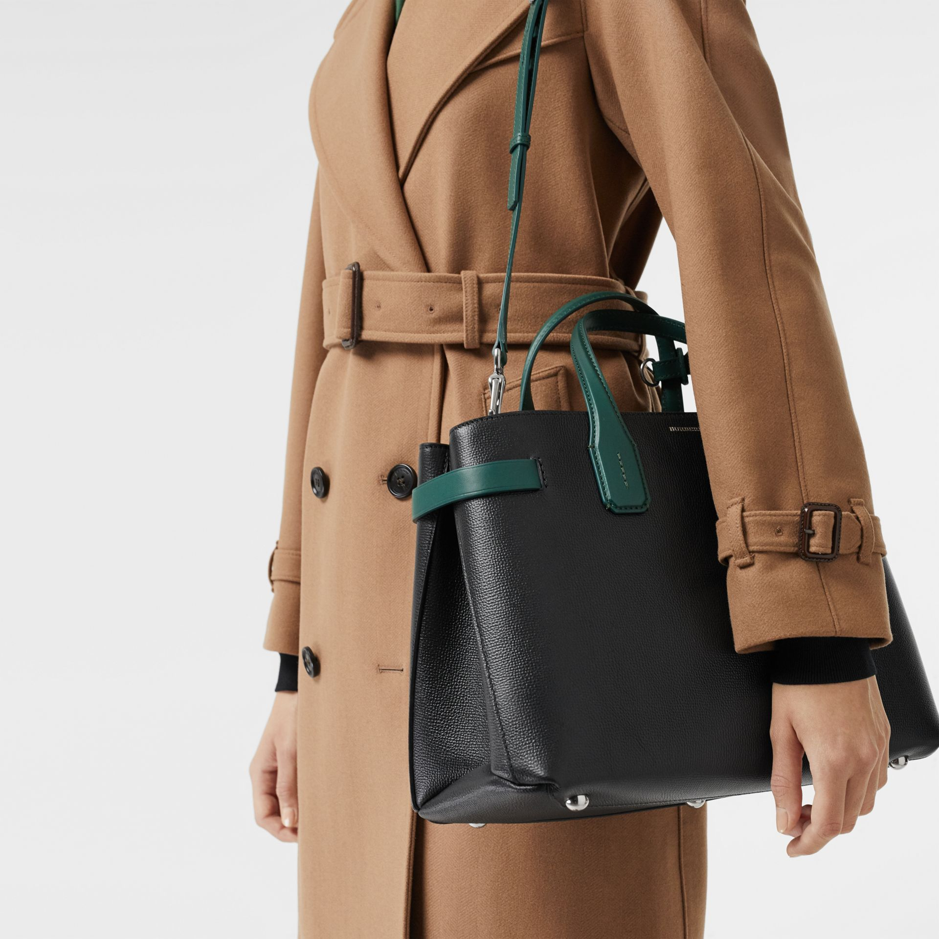 The Medium Banner in Two-tone Leather in Black/sea Green - Women | Burberry - gallery image 3