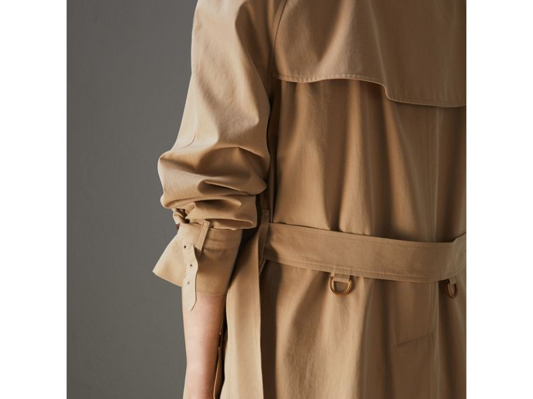 The Long Westminster Heritage Trench Coat in Honey - Women | Burberry - cell image 4