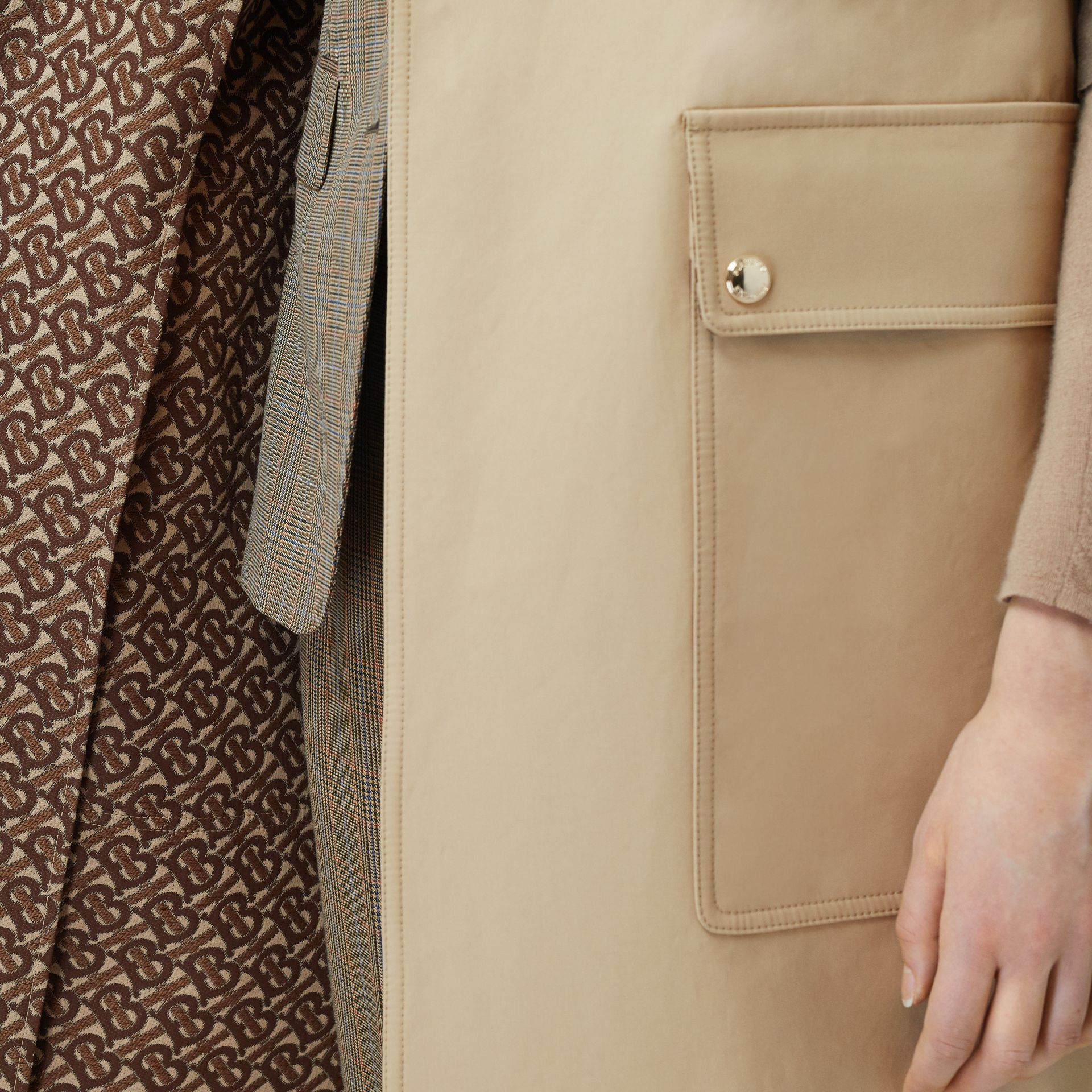 Sleeveless Monogram-lined Cotton Trench Coat in Honey - Women | Burberry - gallery image 4