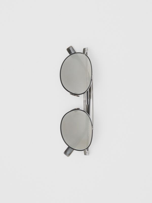 Top Bar Detail Round Frame Sunglasses in Gunmetal - Men | Burberry - cell image 3
