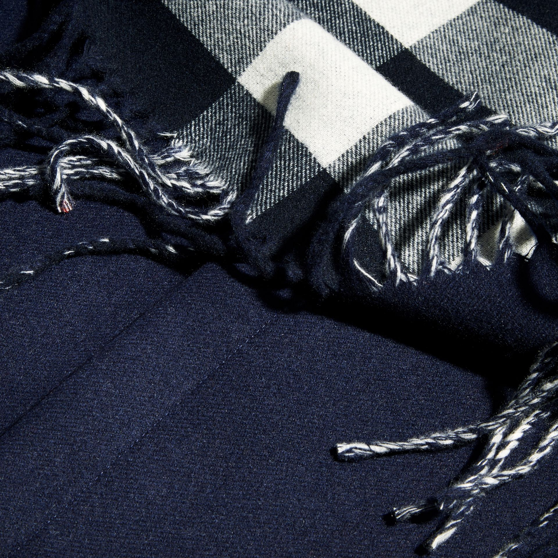 Fringed Cashmere Merino Wool Stole in Navy/indigo Blue - gallery image 2