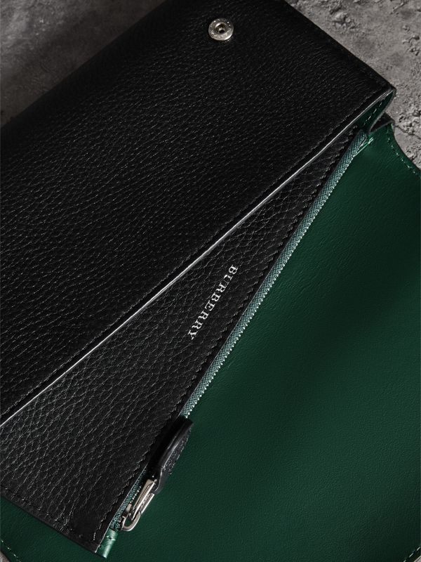 Two-tone Leather Continental Wallet in Black - Women | Burberry Hong Kong - cell image 3