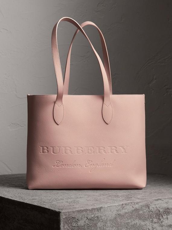 Bolsa tote de couro com detalhe em relevo (Rosa Chá)