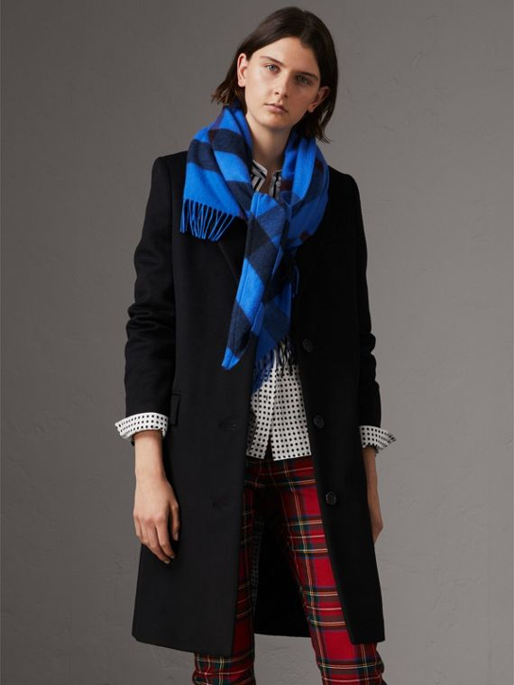 The Burberry Bandana in Check Cashmere in Bright Blue | Burberry - cell image 2