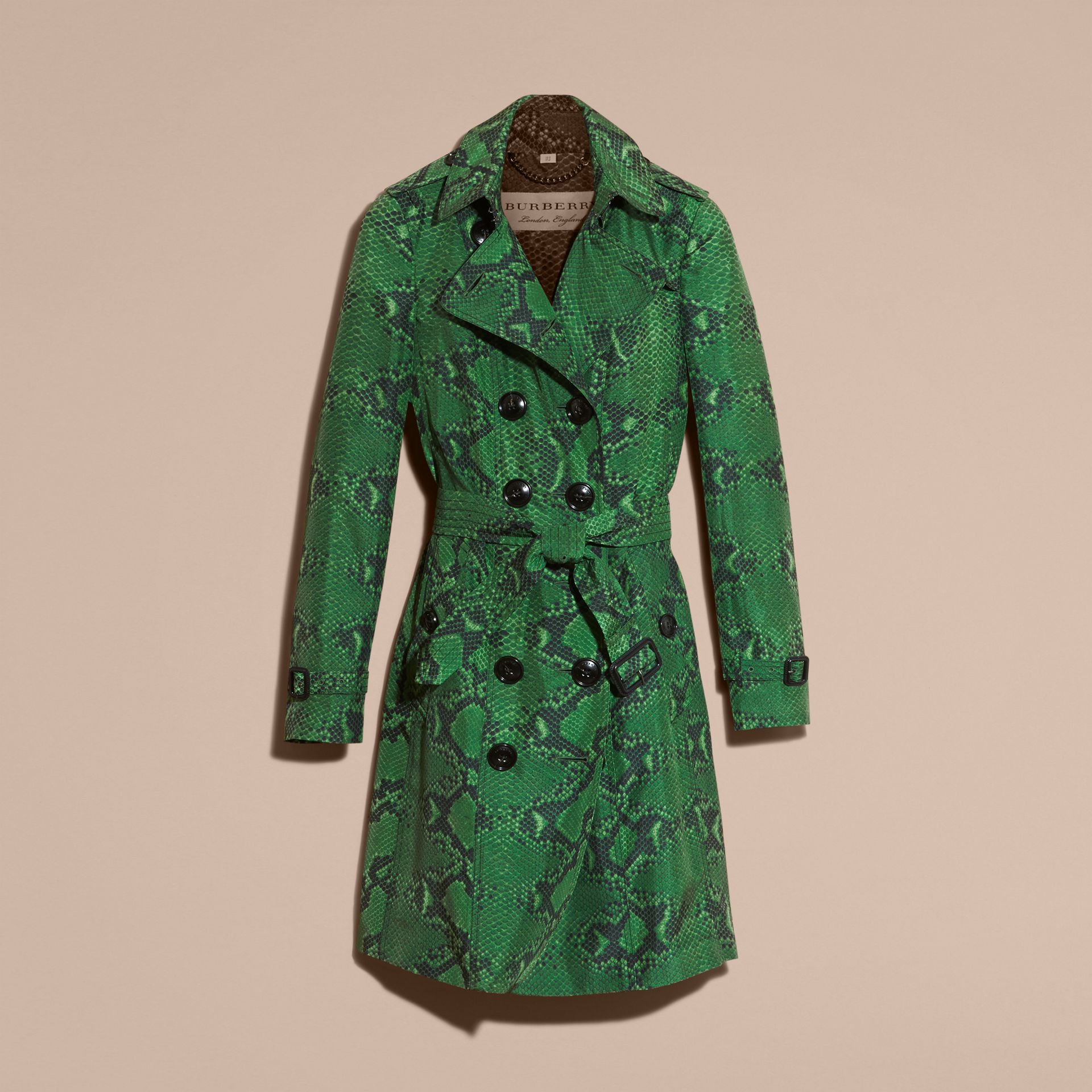 Verde brillante Trench coat in seta con stampa pitone Verde Brillante - immagine della galleria 4