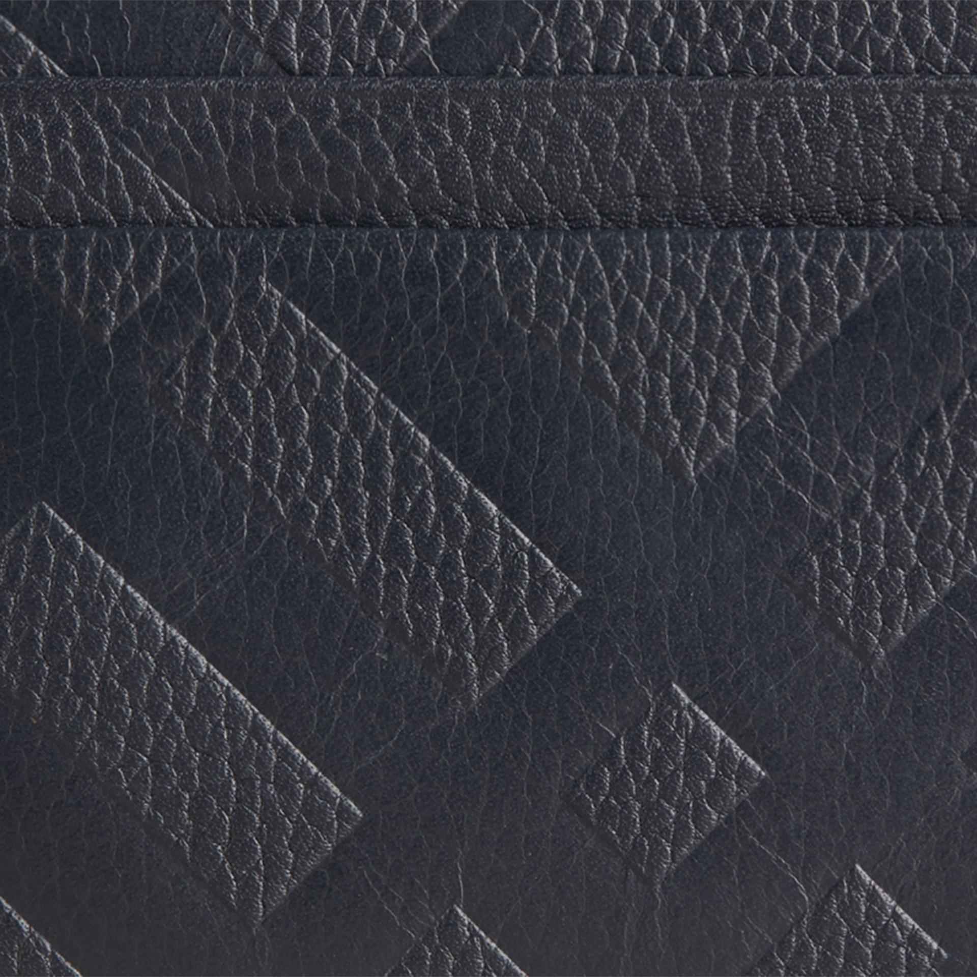 Bleu étain sombre Porte-cartes en cuir à motif check estampé Bleu Étain Sombre - photo de la galerie 2
