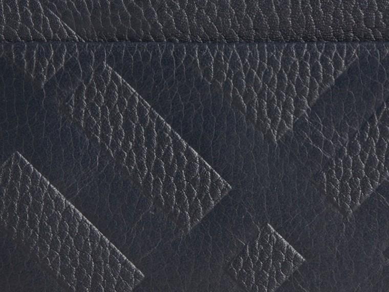 Bleu étain sombre Porte-cartes en cuir à motif check estampé Bleu Étain Sombre - cell image 1