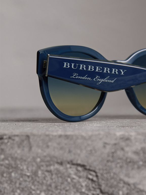 Round Frame Sunglasses in Navy - Women | Burberry United Kingdom - cell image 1