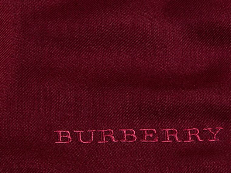 The Lightweight Cashmere Scarf in Plum | Burberry Canada - cell image 4