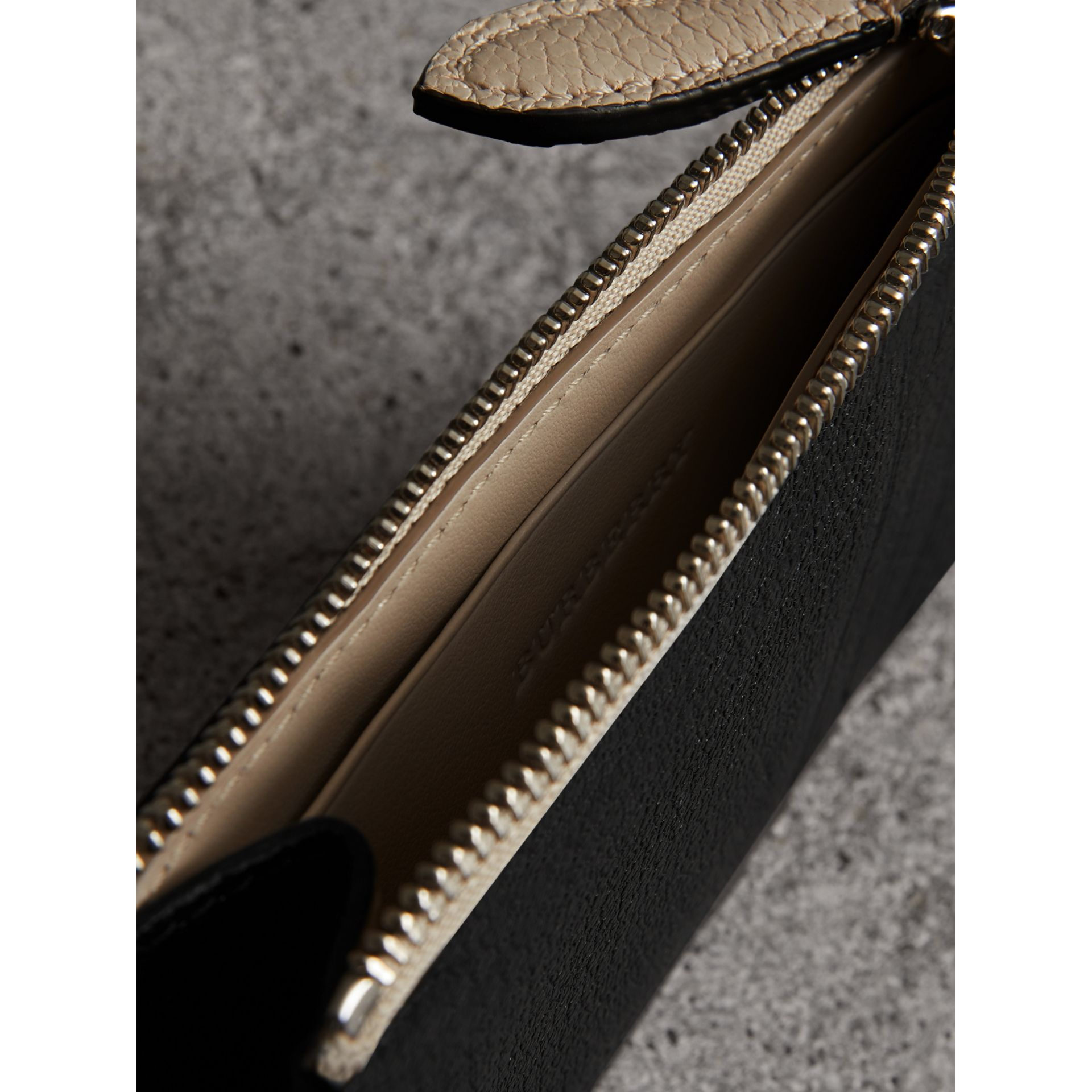 Two-tone Leather Zip Card Case in Black | Burberry Australia - gallery image 3