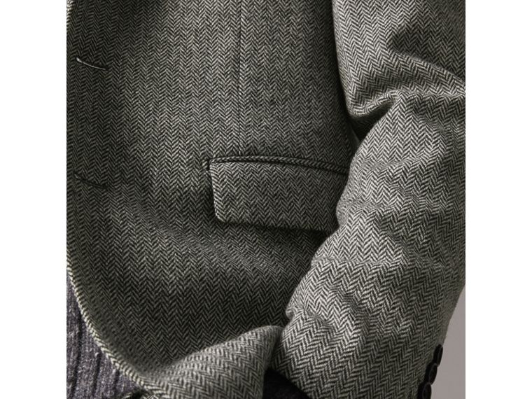 Soho Fit Herringbone Wool Tailored Jacket in Black / White - Men | Burberry - cell image 4