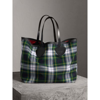The Giant Reversible Tote Bag in Ink Blue and Military Red Cotton Burberry zxqfqaQ91s