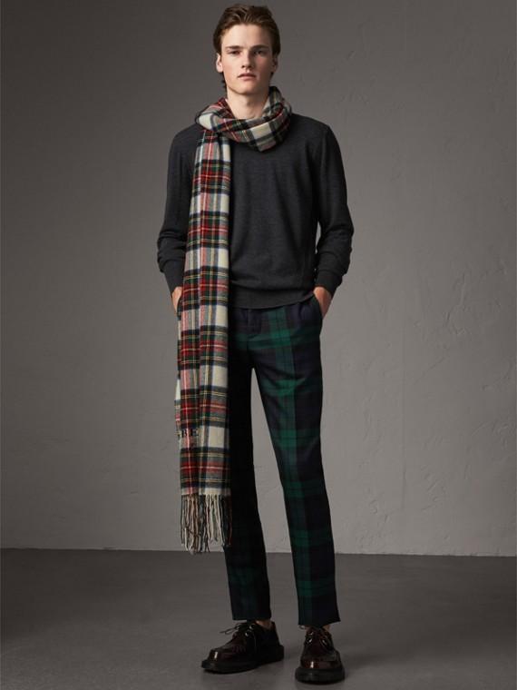 Suéter de lã Merino com detalhe xadrez (Grafite)
