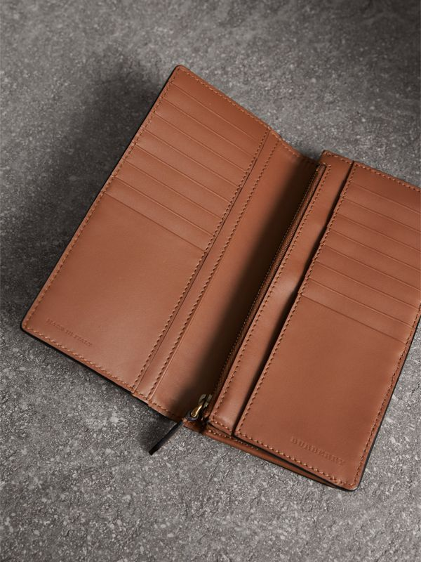 House Check and Grainy Leather Continental Wallet in Chestnut Brown | Burberry United Kingdom - cell image 3
