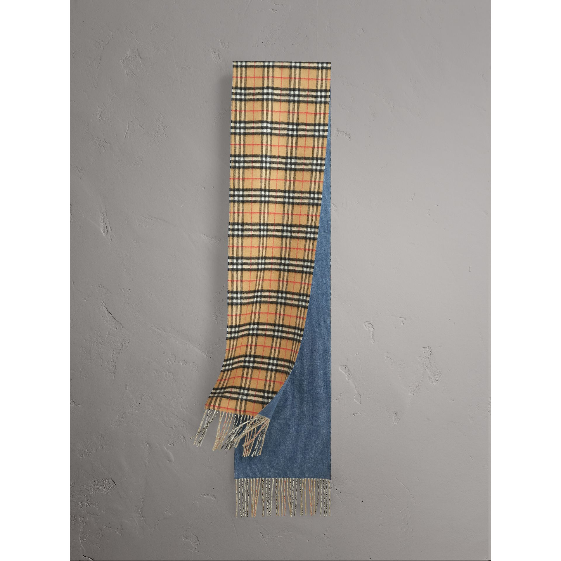 Long Reversible Vintage Check Double-faced Cashmere Scarf in Stone Blue | Burberry Australia - gallery image 1
