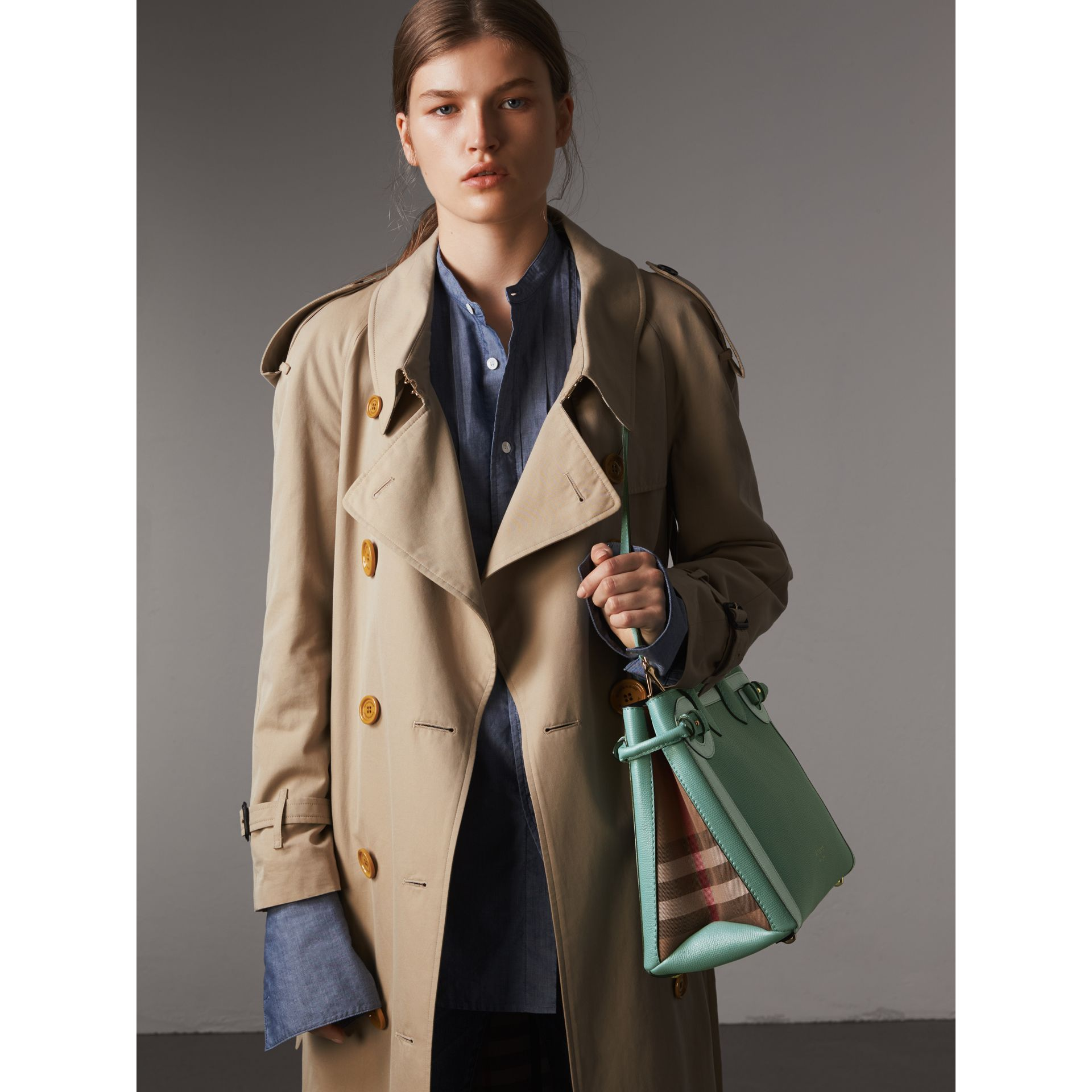 The Medium Banner in Leather with Tonal Appliqué in Celadon Blue - Women | Burberry Australia - gallery image 4
