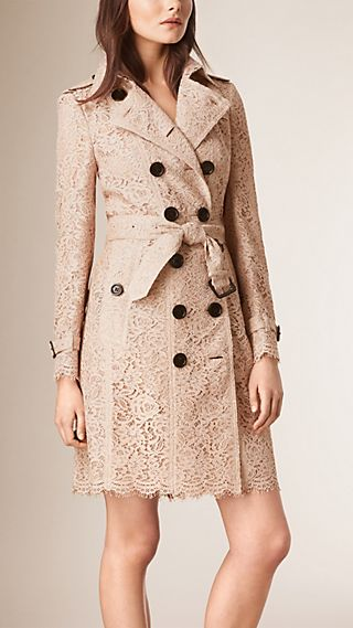 Trench coat in pizzo italiano