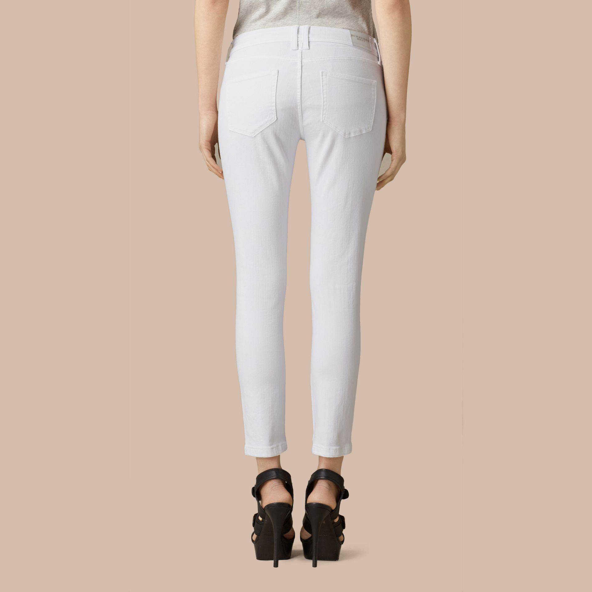 White Skinny Fit Low-Rise Cropped Jeans - gallery image 3