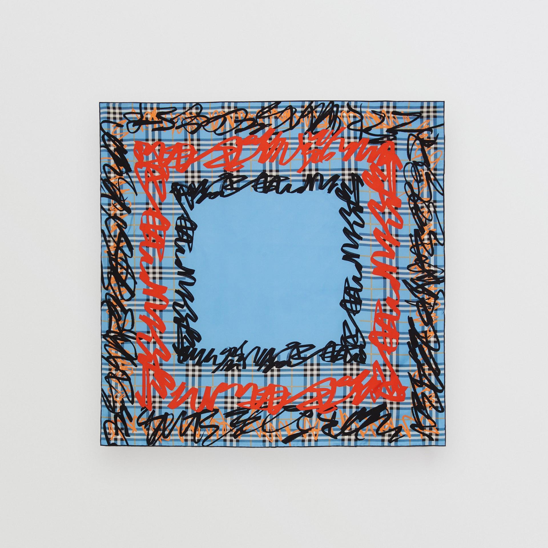 Lenço xadrez de seda com estampa de rabiscos (Azure Claro) | Burberry - galeria de imagens 0