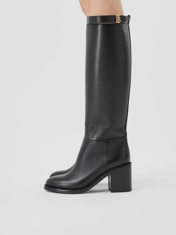 Bottes hautes en cuir Monogram (Noir) - Femme | Burberry Canada - cell image 2
